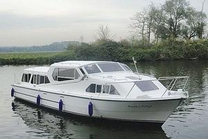 barco-cabinado-fluvial
