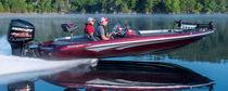 Bass boat fueraborda / con doble consola / de pesca deportiva