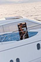 Barco cabinado intraborda / POD IPS / con hard-top / de deporte