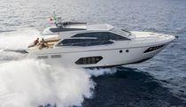 Barco cabinado intraborda / con hard-top / de deporte / 12 personas máx.