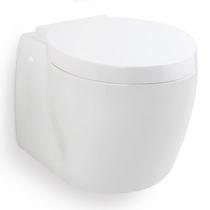 Inodoro marino / con trituradores / suspendido / de cerámica