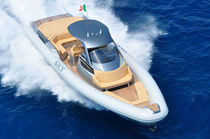 Embarcación neumática intraborda / fueraborda / bimotor / semirrígida