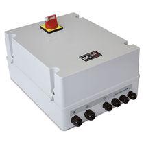 Caja de mando de molinete para barcos