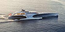 Yate a motor trimarán de motor / de crucero / raised pilothouse