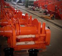 Chigre para buque pesquero / de arrastre / motor hidráulico