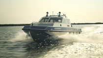 Barco de vigilancia híbrido diésel-eléctrico / de aluminio