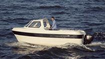 Barco open fueraborda / con consola lateral / de pesca deportiva / 7 personas máx.