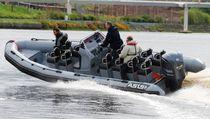 Embarcación de transporte de tripulación fueraborda