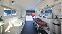 Barco ambulancia fueraborda