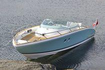 Cabin-cruiser intraborda / open / 9 personas máx. / con 2 literas
