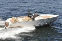 Barco open intraborda / 8 personas máx. / con 2 literas