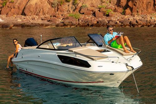 cabin-cruiser fueraborda / open / 9 personas máx. / con 4 literas