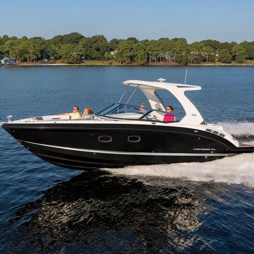 barco cabinado intraborda / open / con doble consola / bow-rider