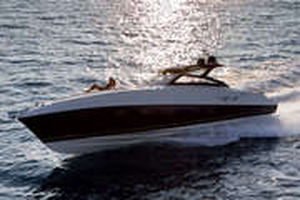 barco cabinado intraborda / bimotor / open / IPS