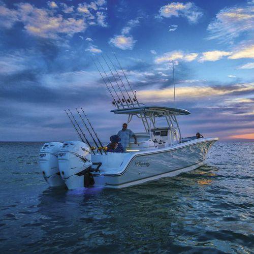 Barco open fueraborda / bimotor / de pesca deportiva / con T-top 334 CC Mako Marine