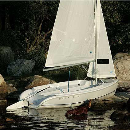 monocasco / day-sailer / de fibra de vidrio / con quilla retráctil