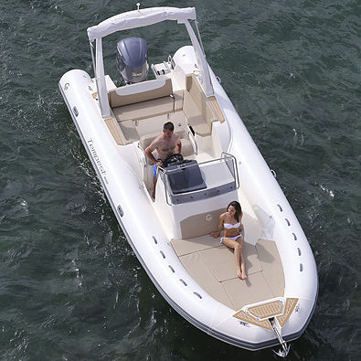 embarcación neumática fueraborda / semirrígida / con consola central / 15 personas máx.