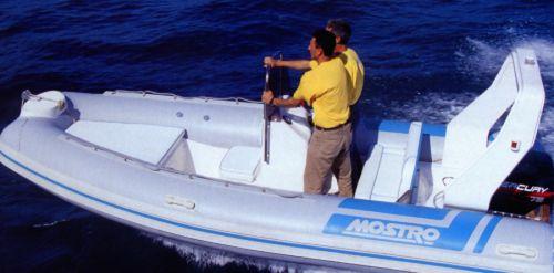 embarcación neumática fueraborda / RIB / con consola lateral / offshore