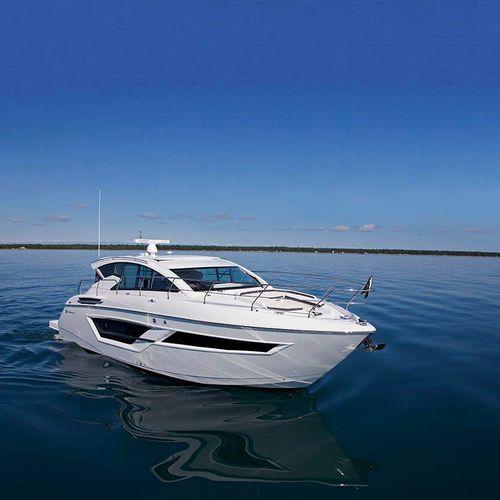 barco cabinado intraborda / diésel / con hard-top / de crucero