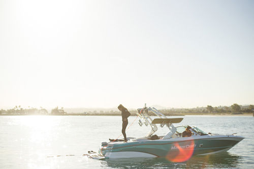 Runabout intraborda / bow-rider / de wakeboard / 16 personas máx. XT23 MasterCraft