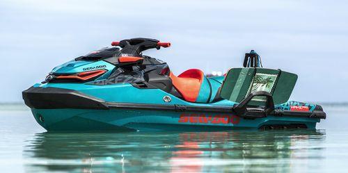 Moto acuática tres plazas WAKE PRO 230 Sea-doo