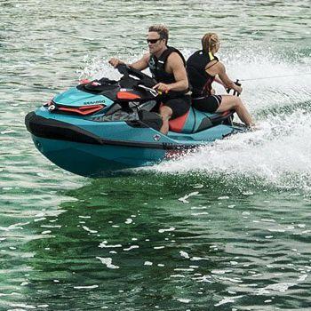moto acuática tres plazas