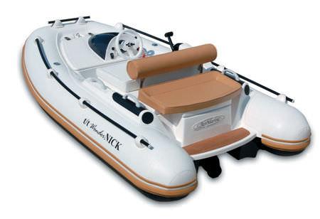 embarcación neumática hidrojet / semirrígida / con consola lateral