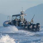 barco militar / fueraborda / de aluminio / embarcación neumática semirrígida