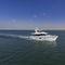 yate a motor de crucero / para expedición / expedición / con fly