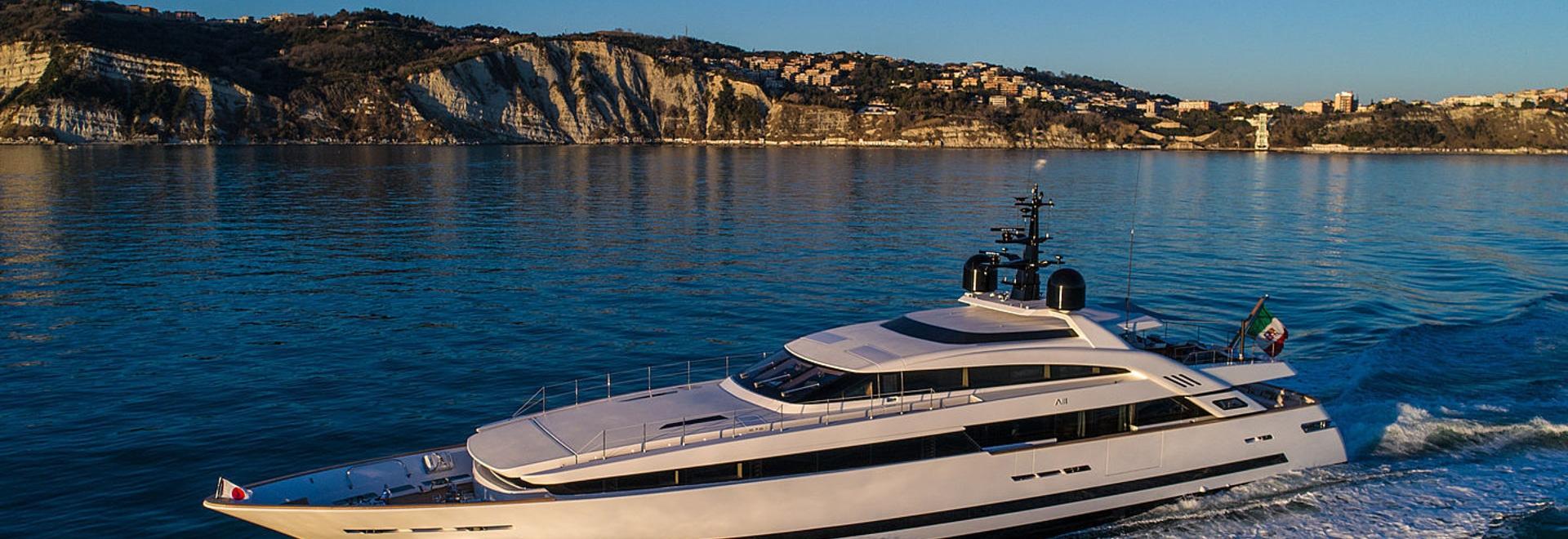 Primer vistazo: A bordo del superyate de 43 metros Agora III de ISA Yachts