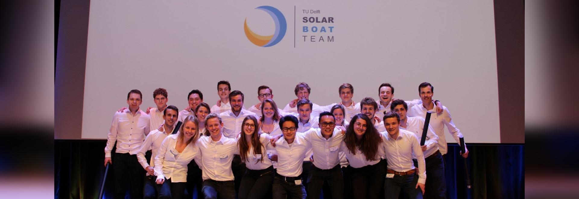 Solbian y Hevel agrupan a socios orgullosos del equipo de barco solar de la cerámica de Delft del TU