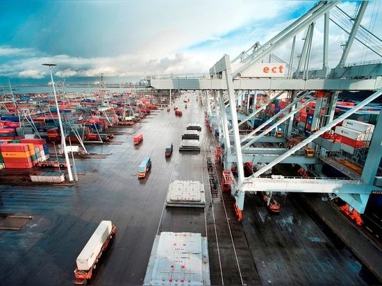 Rotterdam es el puerto más grande de Europa (cortesía de Freek van Arkel /Havenbedrijf Rotterdam)