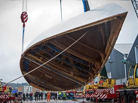 Actualización de la construcción en el yate de la navegación del buque insignia del alcohol 111