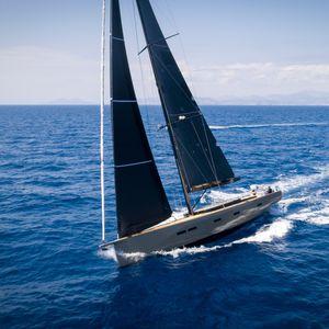 yate de vela de crucero / de regata / con popa abierta / con 3 o 4 camarotes