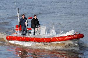 barco profesional embarcación de servicio / embarcación piloto / intraborda / embarcación neumática semirrígida