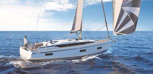 velero de crucero / con popa abierta / con 2 o 3 camarotes / con bauprés