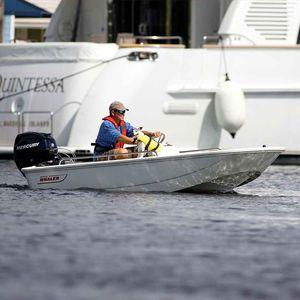 barco open fueraborda / con consola central / de pesca deportiva / de deporte