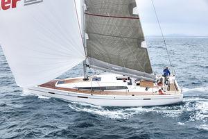 velero de regata y crucero / con deck saloon / con 2 o 3 camarotes / con bauprés