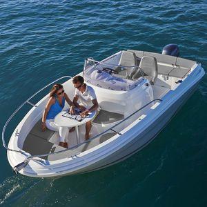 barco open fueraborda / con consola central / open / de esquí acuático