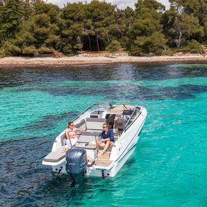 cabin-cruiser fueraborda / open / de crucero / de esquí acuático