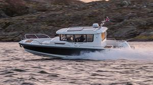 barco open fueraborda / intraborda / diésel / con cockpit cerrado