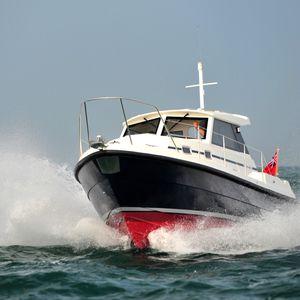 barco de pesca-crucero intraborda