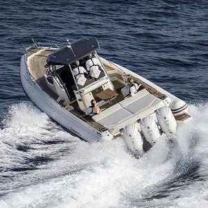 embarcación neumática fueraborda / trimotor / semirrígida / con consola central