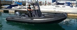 embarcación neumática fueraborda / RIB / con consola central / open