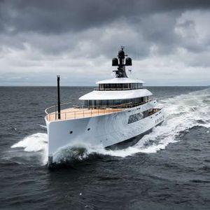 megayate de crucero / con caseta de timón / con 6 camarotes / proa vertical