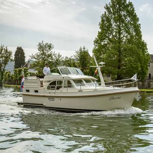barco cabinado diésel
