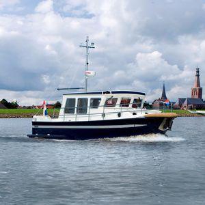 trawler intraborda / fluvial