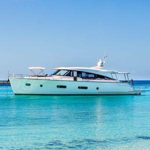 yate a motor clásico / de crucero / de deporte / offshore