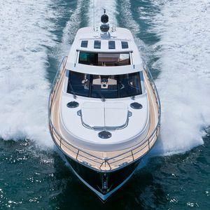 yate a motor de crucero / de deporte / con hard-top / IPS