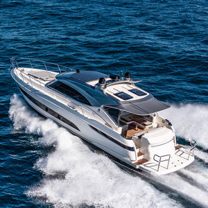 yate a motor de deporte / offshore / con hard-top / IPS